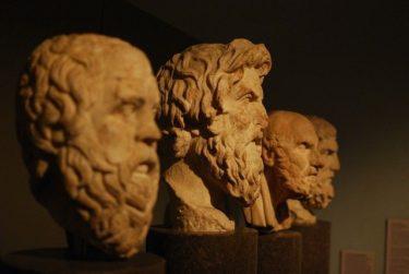 政治と哲学「哲学の次に、有用性が低いのが政治談義をしている人」